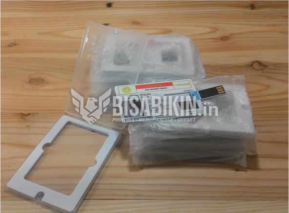 Flashdisk Custom Murah Bentuk Kartu